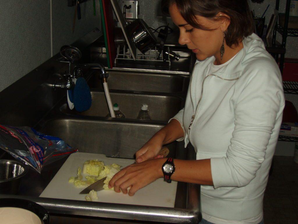 Volunteer food prep
